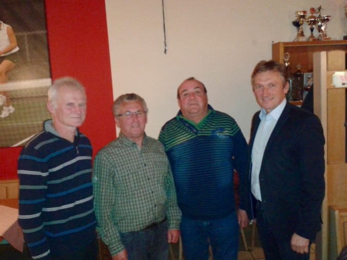 Unser Bild zeigt von links: Peter Kraller, Alois Burgstaller, Willi Schupfner und Andreas Bratzdrum