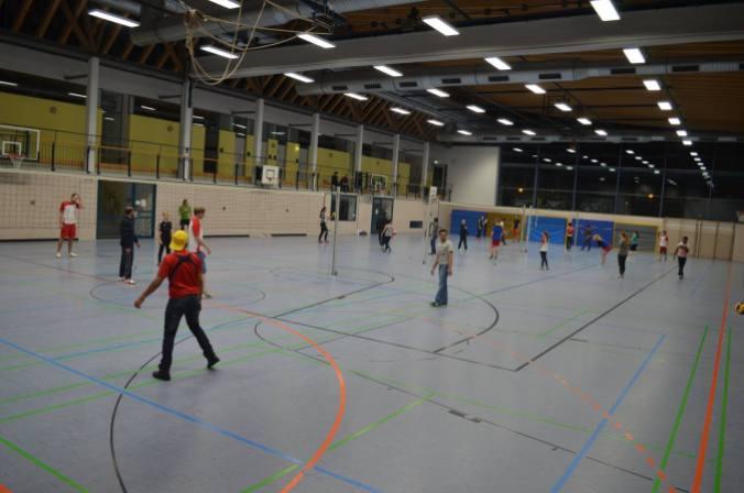 Die gesamte Halle wurde für das gemeinsame Training genutzt.